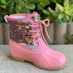 NEW ARRIVALS**GIRLS PINK SEQUIN LACE UP DUCK BOOTS